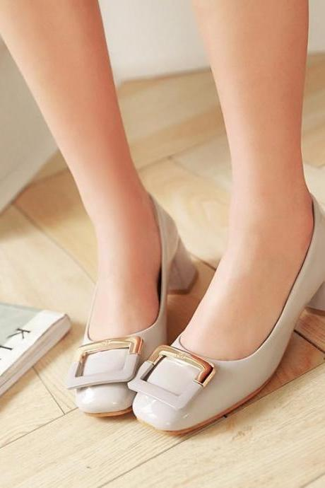Chunky Heel Ballerina Pumps Adorned with Square Buckle
