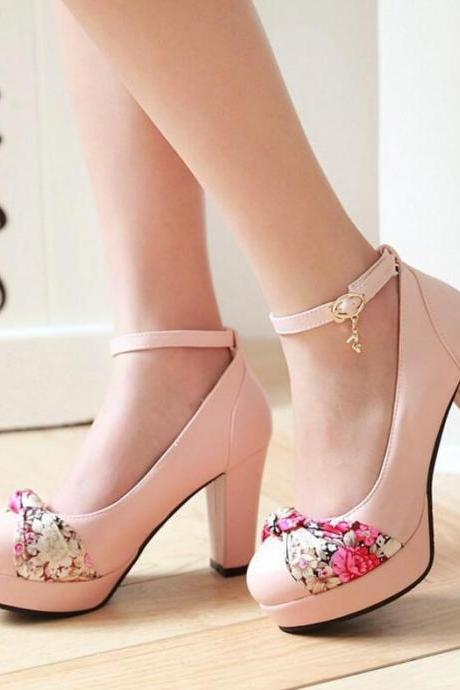Women's Fashion Round Toe High Heel Shoes With Embroidered